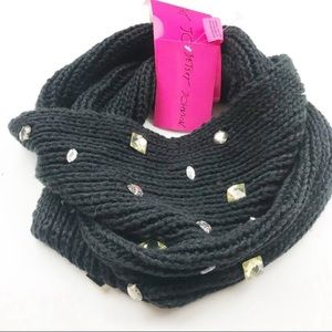 Betsey Johnson l Stoned Infinity Scarf